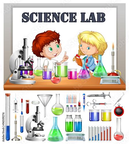 dzieci-pracujace-w-laboratorium-naukowym