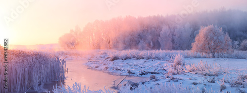 Spoed Foto op Canvas Zonsondergang Winter sunrise