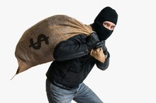 Thief Robbed Bank And Is Carry...