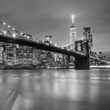 Fototapeta Nowy Jork - Brooklyn bridge at dusk, New York City.
