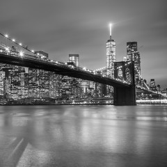 FototapetaBrooklyn bridge at dusk, New York City.