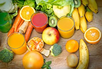 Fototapeta samoprzylepna Healthy juices - refreshing beverages