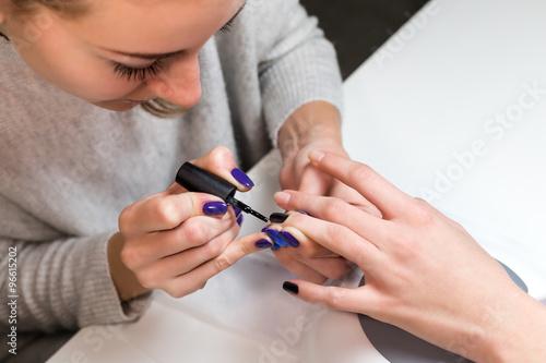 Photographie  Etape processus manucure couvrant gel polish