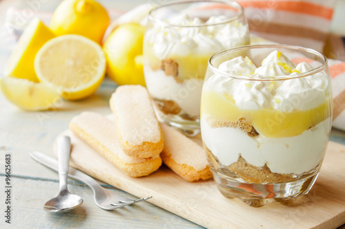 Photo sur Toile Dessert Lemon tiramisu in a glass