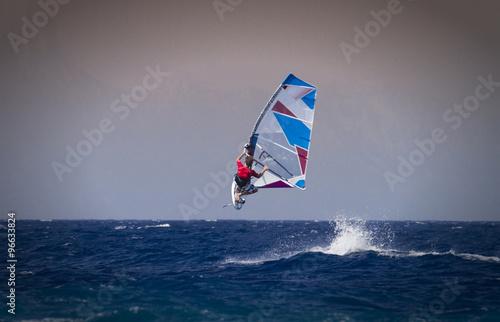 Sprung beim Windsurfen in Rhodos, Griechenland  #96633824