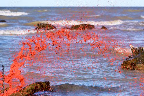 Photo  Splash of red droplets