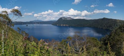 Plakat Jezioro Mashuu, które chce wspinać się po górach.