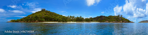 In de dag Tropical strand Panorama of tropical island at Seychelles