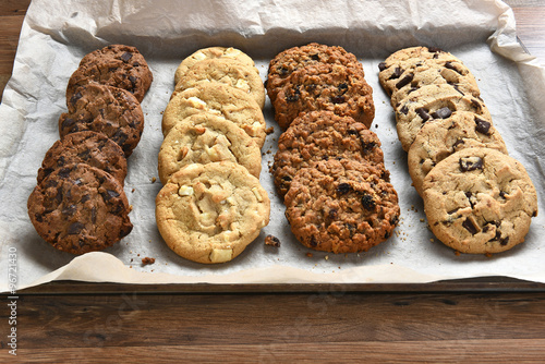 Foto auf Leinwand Kekse Tray of Fresh Baked Cookies
