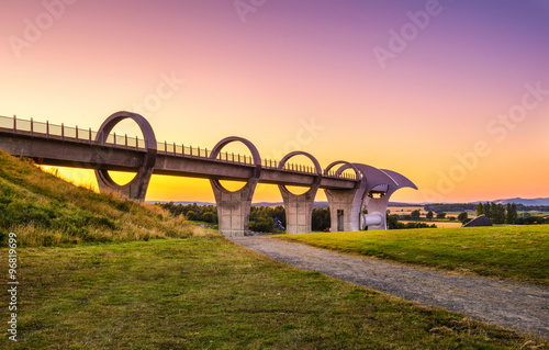 Foto op Canvas Kanaal Falkirk Wheel at sunset, Scotland, United Kingdom