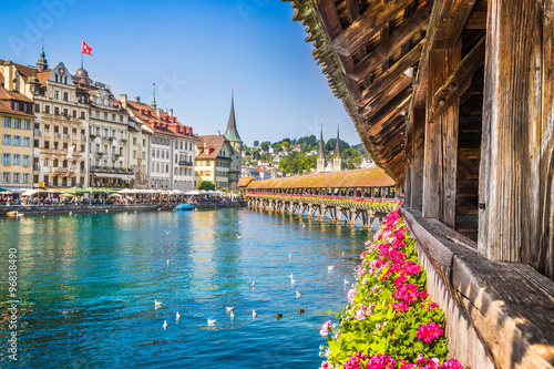 Obraz na plátně Historic town of Lucerne with Chapel Bridge, Switzerland