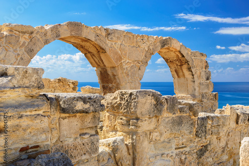 fototapeta na szkło Old greek arches ruin city of Kourion near Limassol, Cyprus
