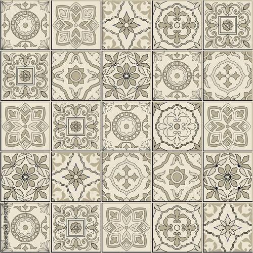 wspanialy-powielony-jasny-wzor-w-marokanskim-i-portugalskim-stylu-ornamenty-azulejos-plytki-ceramiczne