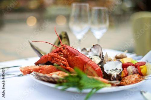 Fotografia, Obraz  Seafood lobster on table
