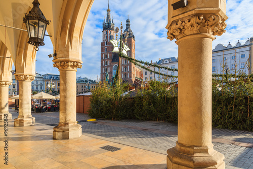Fototapeta View of Mariacki church from Cloth Hall building