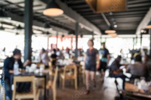 Foto auf Gartenposter Restaurant Blurred people in the restaurant