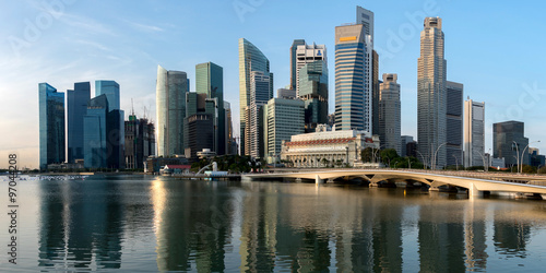 Tuinposter Singapore Singapore skyline at central business district, Marina bay, Singapore. Panoramic image.