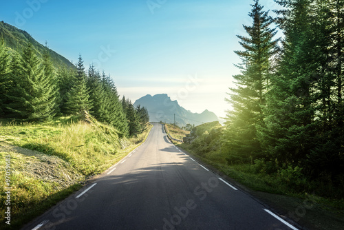 Photo Stands Gray traffic road in mountain, Lofoteb iskands, Norway