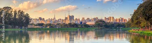 Poster Brésil Sao Paulo skyline from Parque Ibirapuera park