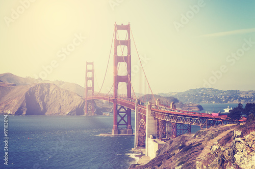 Foto op Plexiglas San Francisco Vintage toned picture of the Golden Gate Bridge, San Francisco.