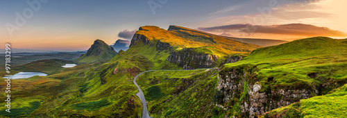 Spoed Foto op Canvas Panoramafoto s Quiraing mountains sunset at Isle of Skye, Scottland, United Kingdom