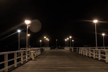 Panel Szklany Podświetlane Molo Molo nocą w Sopocie.