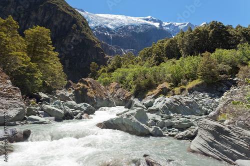 Fotografia  Runoff from Rob Roy Glacier in Mt Aspiring NP, NZ