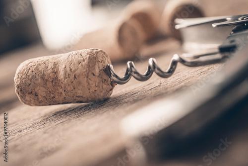Cuadros en Lienzo Wine cork and corkscrew on wooden table