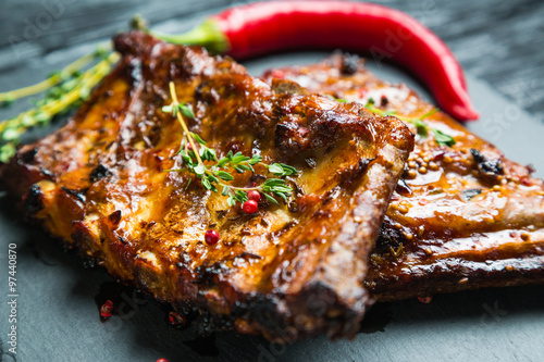 Foto auf Gartenposter Fleisch grilled ribs