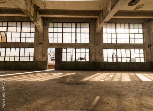 Papiers peints Les vieux bâtiments abandonnés Old factory, rubber factory, China