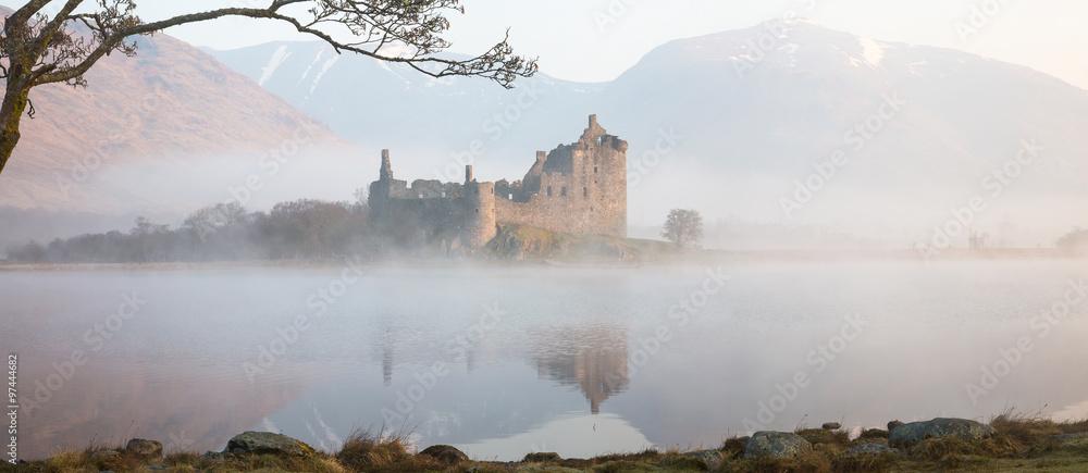 Fototapeta Kilchurn castle, panorama
