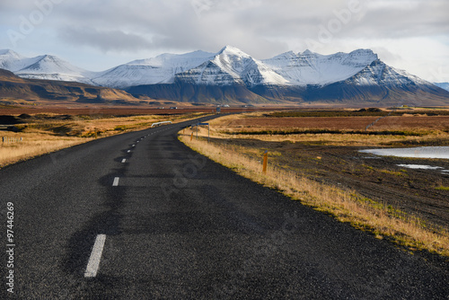Deurstickers Zwart Empty road in early winter of Iceland