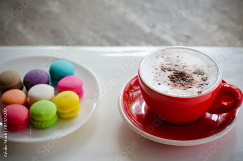 Fotografía  Cup of hot coffee and macaroons