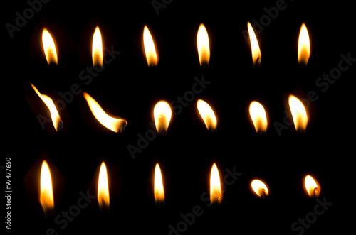 Fotografia set of frame light candle burning brightly in the black background
