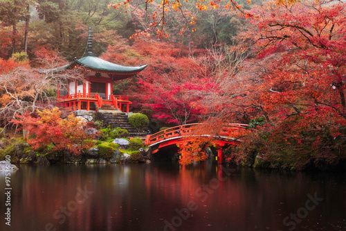 Poster Japan Daigo-ji temple in autumn