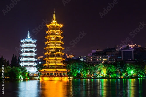 Foto op Plexiglas Guilin Sun and Moon twin double pagodas and Shanhu lake in Guilin