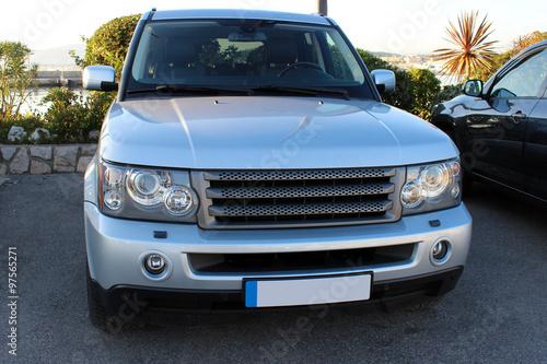 Photo  Luxury British SUV