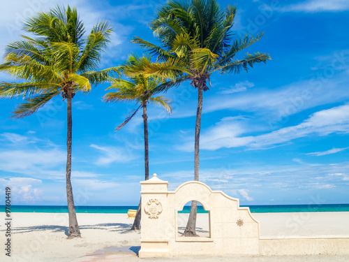 Photo  Hollywood Beach in Florida on a summer day