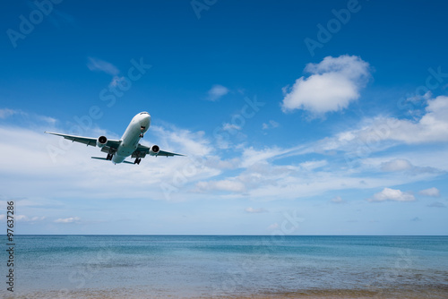 Printed kitchen splashbacks Fishing Airplane landing from sea to airport