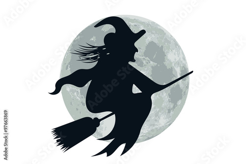 Valokuva  befana sulla scopa con luna di sfondo