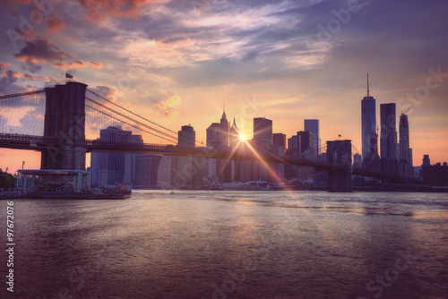 Fotografia  Brooklyn bridge at dusk, New York City