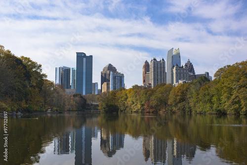 Plakat Midtown Atlanta, Georgia Skyline Over Water