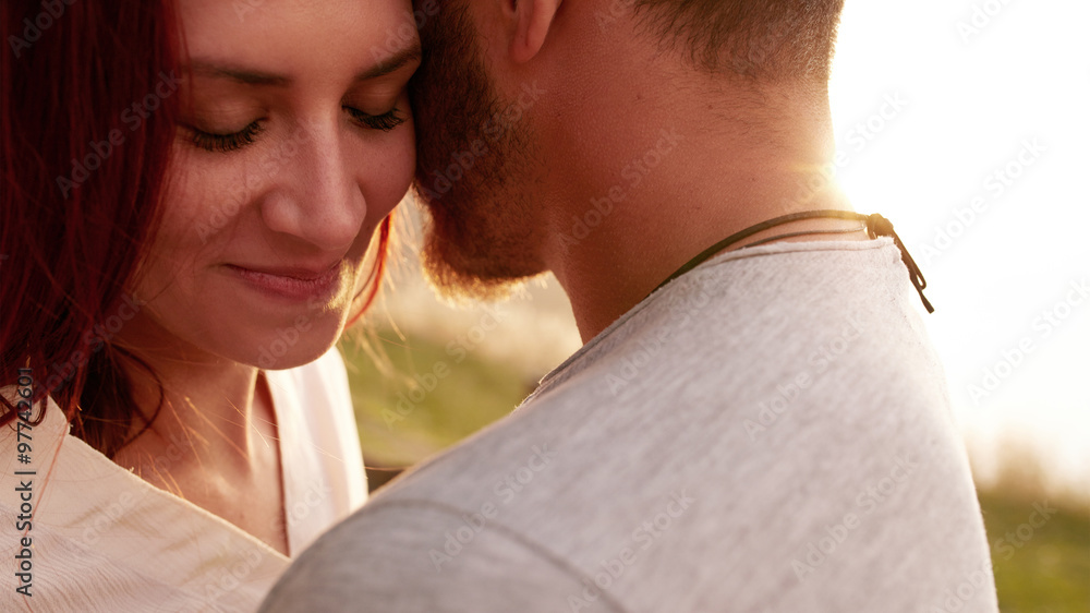 Fototapety, obrazy: Romantic young couple together outdoors