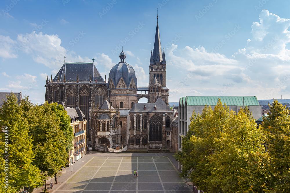 Fototapety, obrazy: Aachener Dom im Sommer