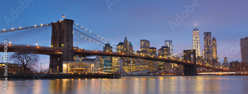 Keuken foto achterwand New York Brooklyn bridge at dusk, New York City.