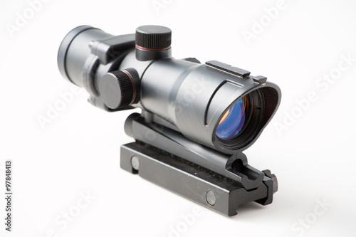 Fotografía  Arma de fuego alcance de francotirador aislado en el fondo blanco