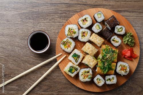 Foto op Aluminium Sushi bar Sushi set at round wooden plate