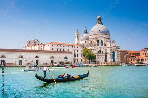 Foto op Plexiglas Venetie Gondola on Canal Grande with Basilica di Santa Maria della Salute, Venice, Italy