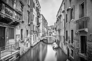 Plakat Narrow canal in Venice