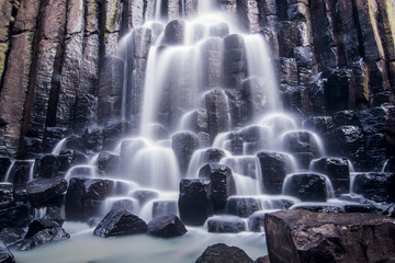 cascada Prismas Basálticos